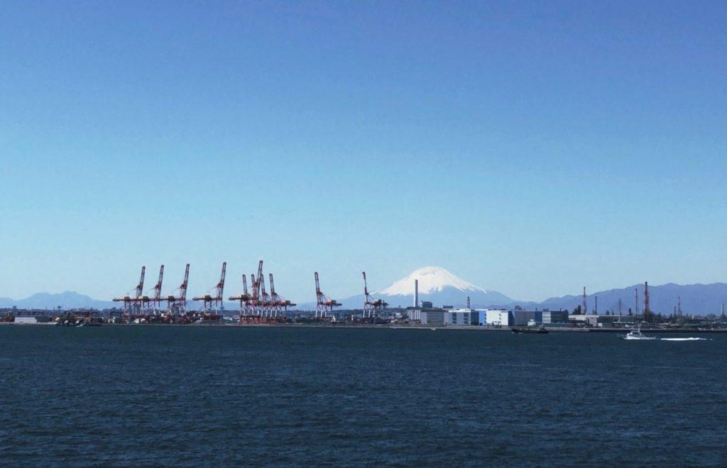 おがさわら丸から見える富士山