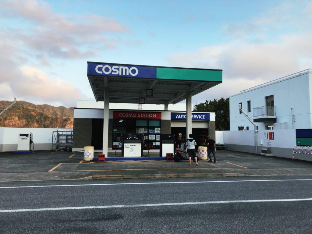 父島大村エリアにある島唯一のガソリンスタンド