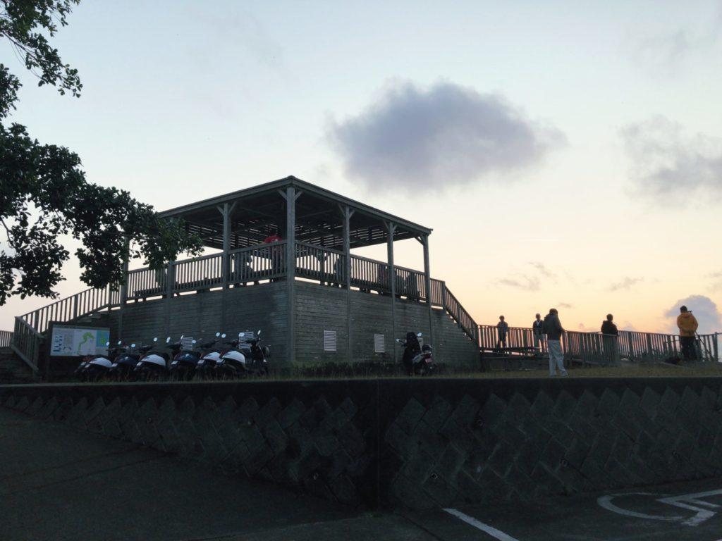 父島ウェザーステーション展望台の全景