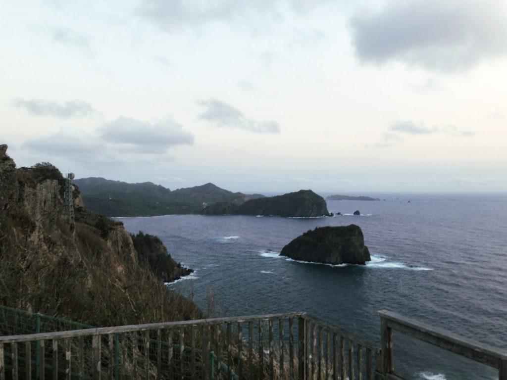 父島ウェザーステーション展望台から母島や南島が見える