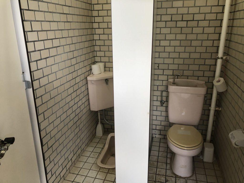 小笠原 父島 扇浦海岸 女性トイレ